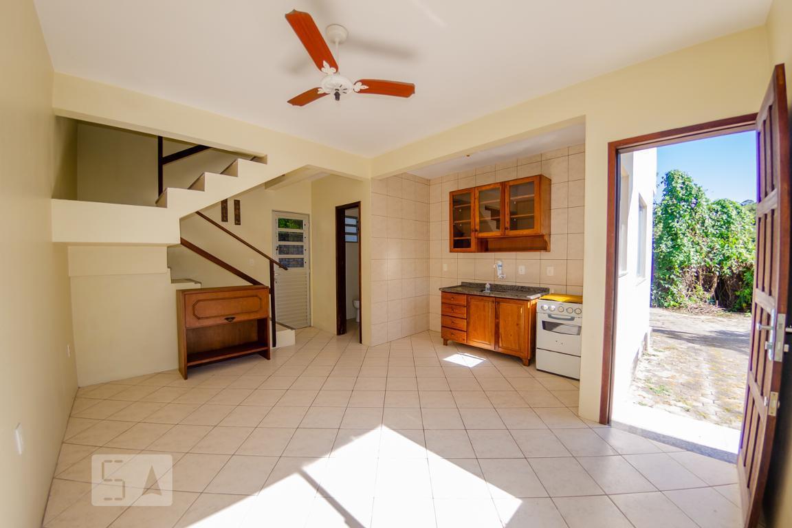 Casa para Aluguel - Ingleses, 1 Quarto,  60 m² - Florianópolis