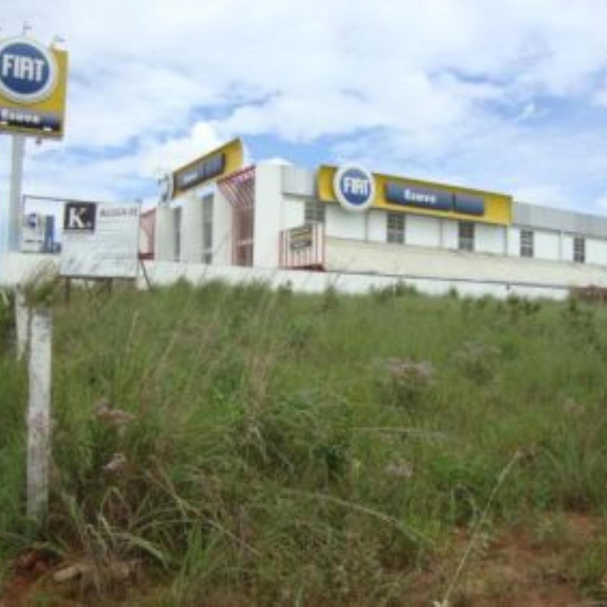 1) Detalhe do terreno ao lado da concessionária Fiat (Esave Veículos)