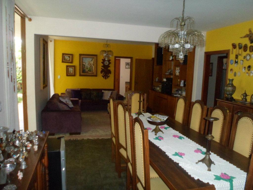 Casa · 1058m² · 5 Quartos · 8 Vagas