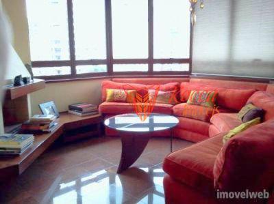 Apartamento · 225m² · 4 Quartos · 3 Vagas