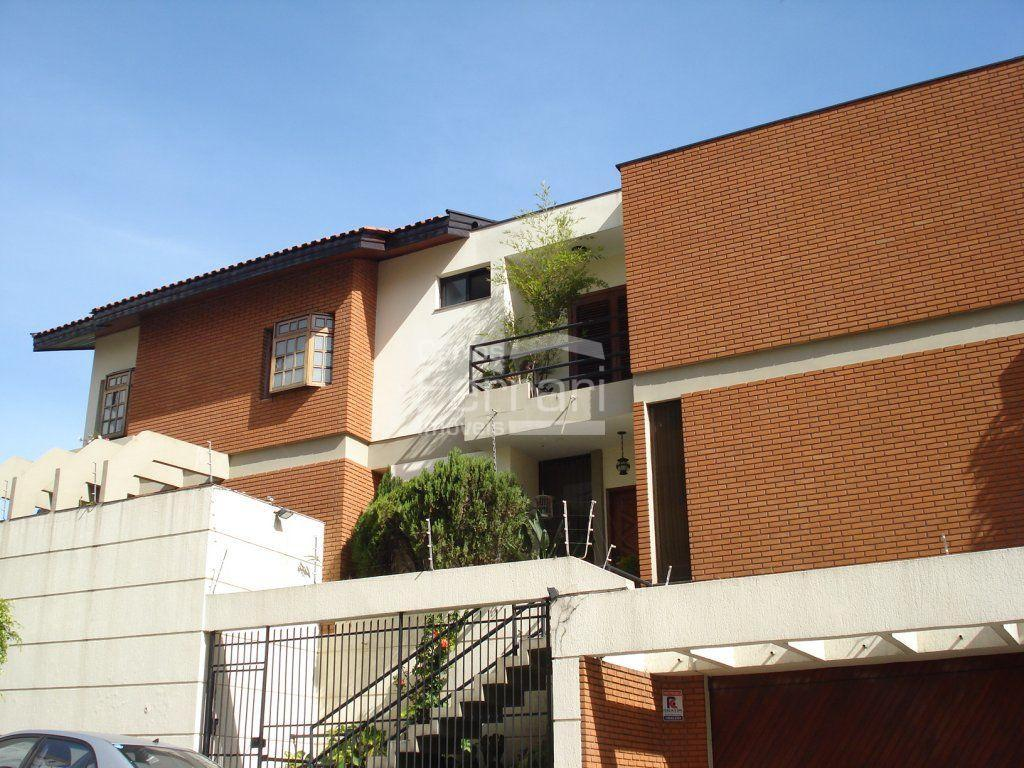 Casa · 331m² · 3 Quartos · 5 Vagas