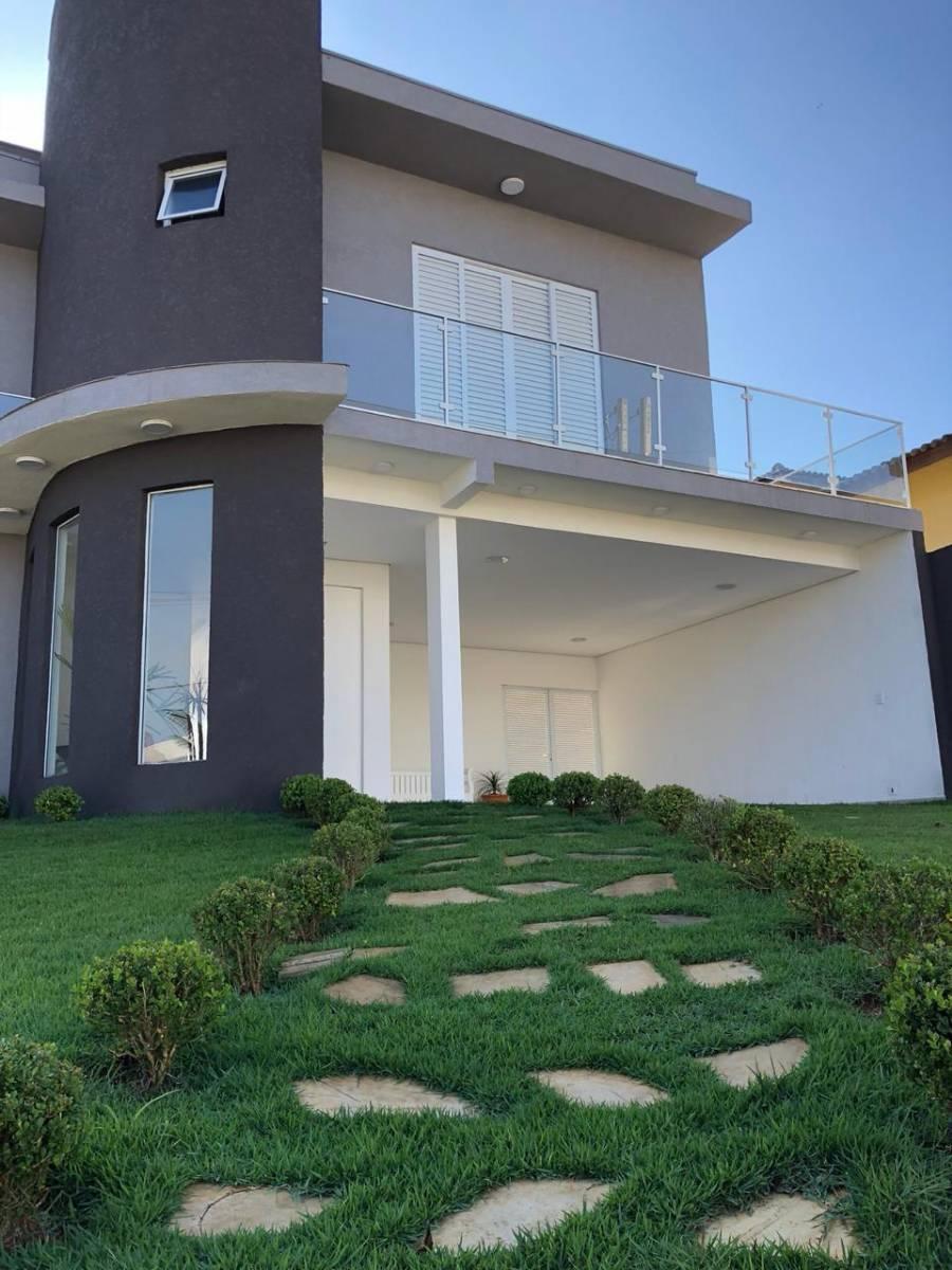Casa á venda no Condomínio Terras de Atibaia