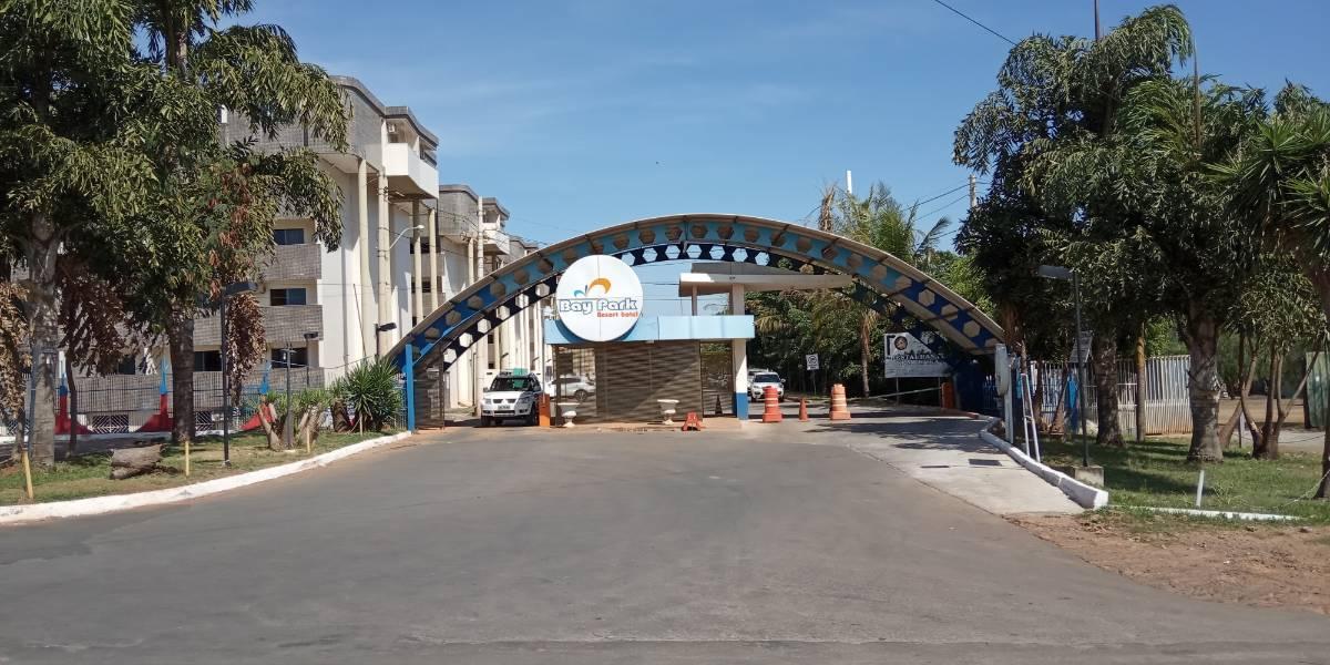 Entrada principal do Bay