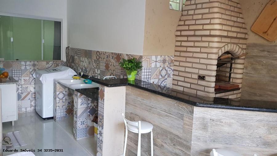 casa para venda em uberlândia, nova uberlandia, 2 dormitórios, 1 suíte, 2 banheiros, 2 vagas