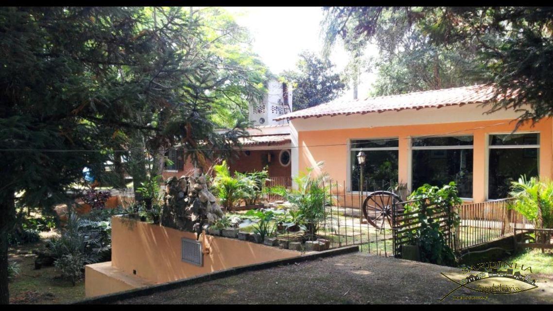 casa em condomínio à venda 282 m - 3 dormitórios, 1 suíte, sala de tv, lareira, churrasqueira e 5