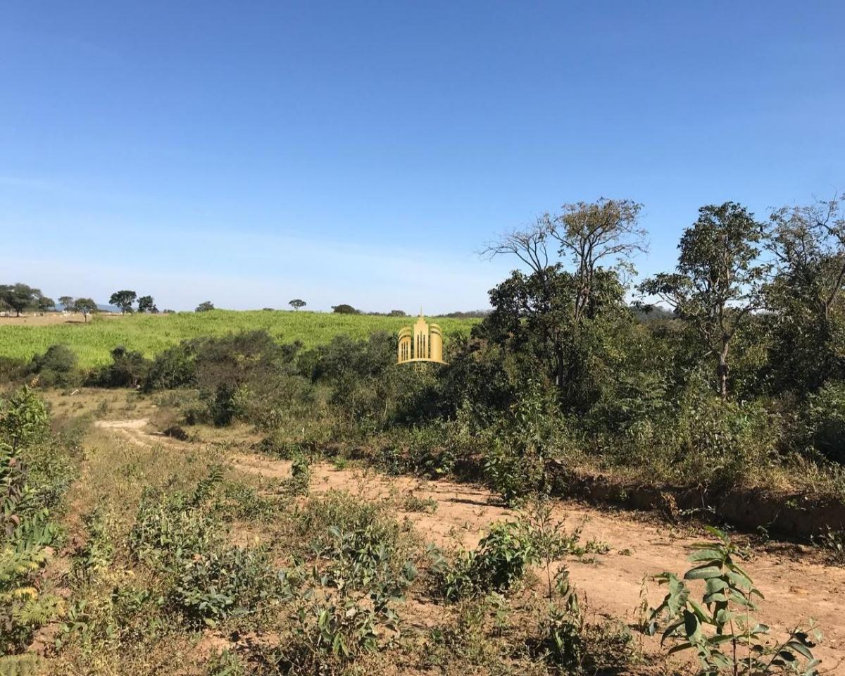 terreno no encontro das aguas - esmeraldas