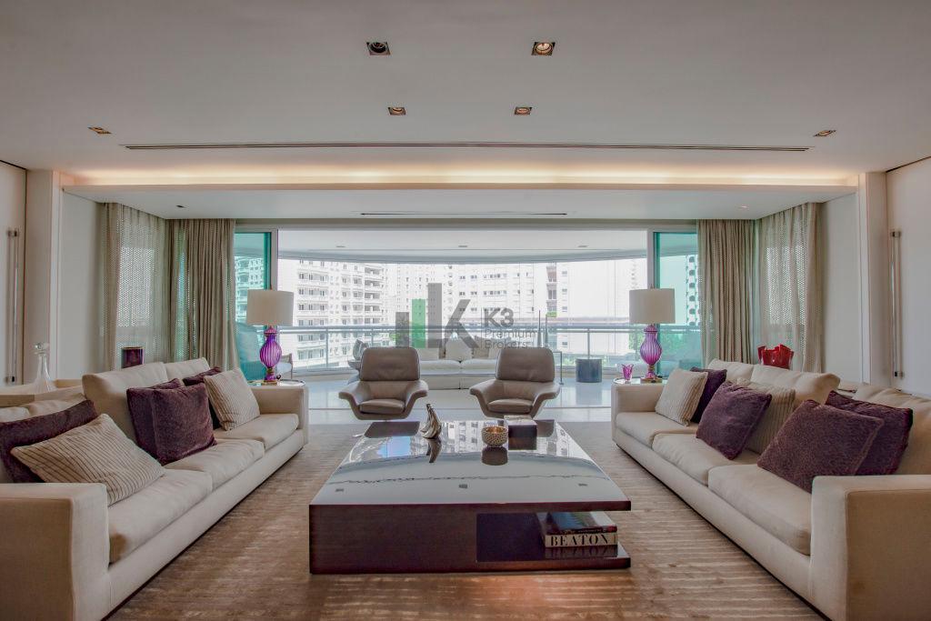 Apartamento · 462m² · 4 Quartos · 7 Vagas