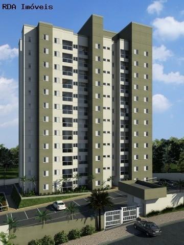 apartamento 3 dormitórios sendo 1 suíte, sala 2 ambientes, mais um banheiro, sacada, 1 vaga de garag