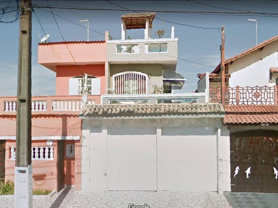 Casa · 186m² · 3 Quartos · 4 Vagas