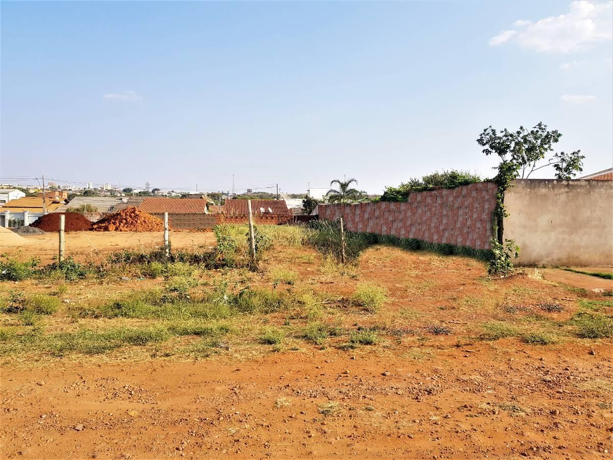 terreno no bairro pampulha próximo ao camaru