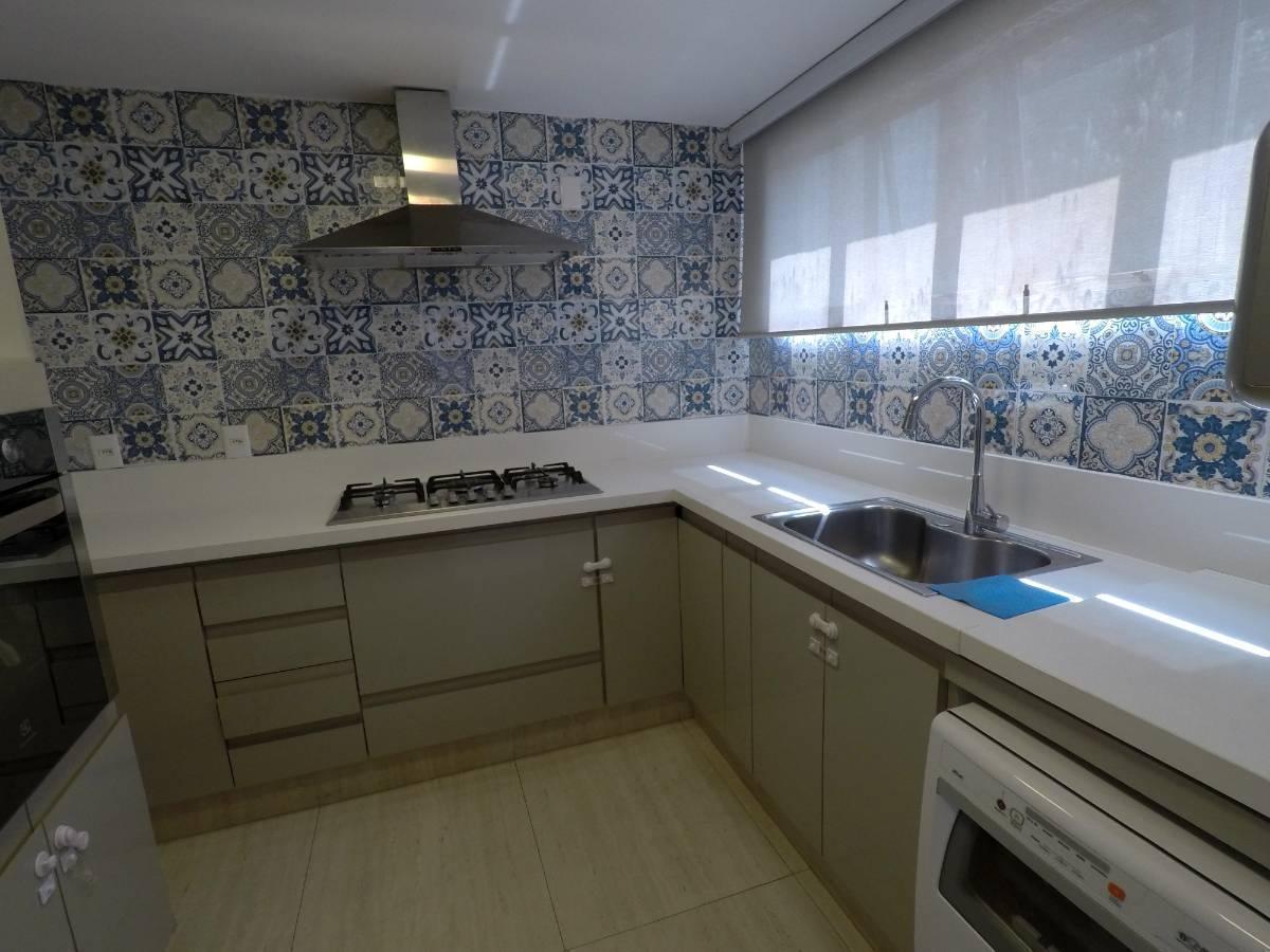 Apartamento · 113m² · 4 Quartos