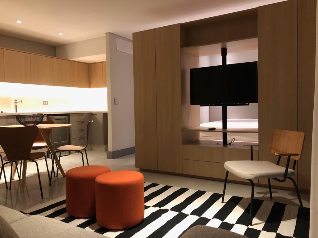 http://www.infocenterhost2.com.br/crm/fotosimovel/901189/183542035-apartamento-curitiba-batel.jpg