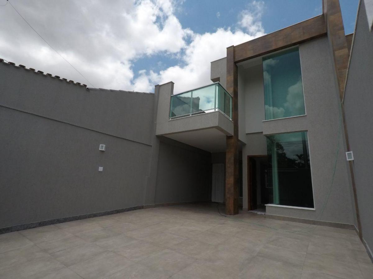 casa alto padrão bairro planalto 3 quartos com suite, varanda e 3 vagas