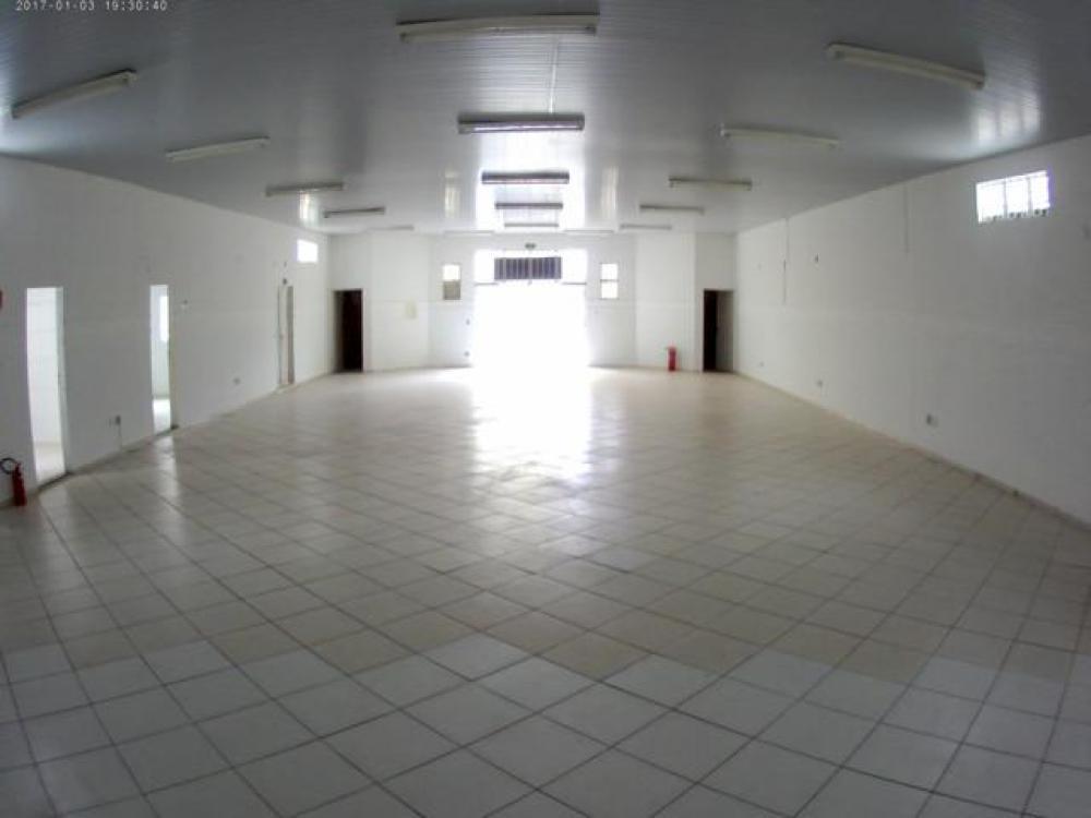 neves-paulista-comercial-salao-centro-24-09-2019_15-01-05-0.jpg