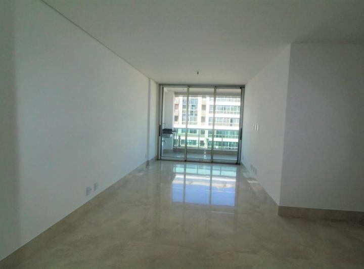 Apartamento · 151m² · 4 Quartos · 3 Vagas