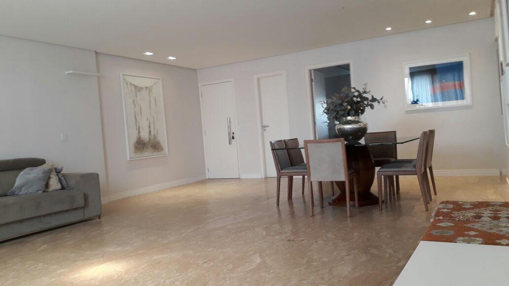 Apartamento · 162m² · 4 Quartos · 3 Vagas