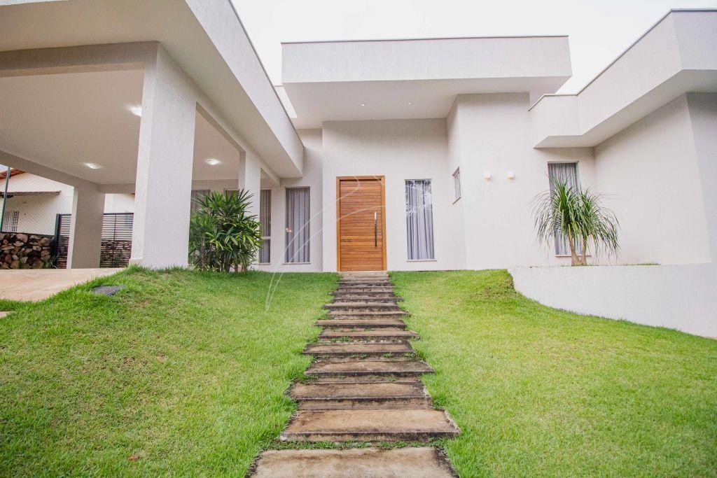 Casa · 500m² · 4 Quartos · 4 Vagas