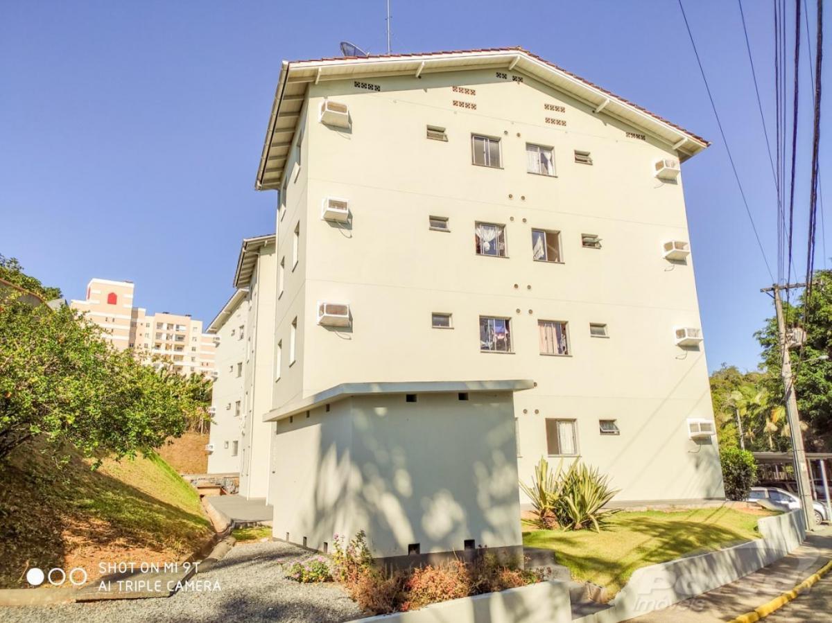 apartamento no bairro da fortaleza, contendo 02 dormitórios, banheiro social, cozinha, sala de estar