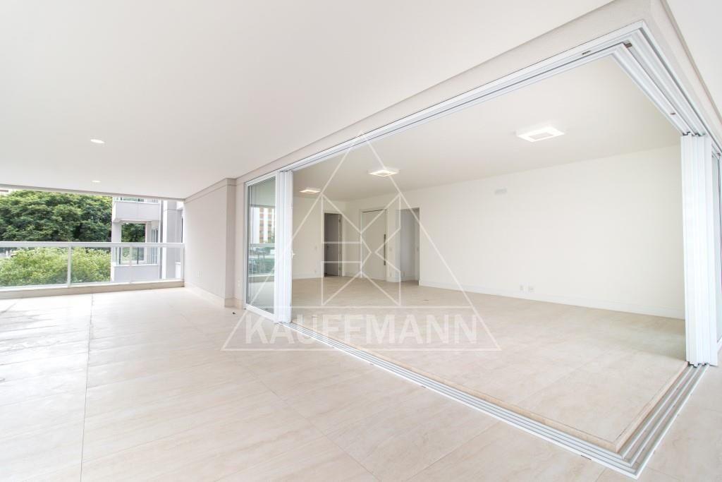 Apartamento · 326m² · 4 Quartos · 5 Vagas