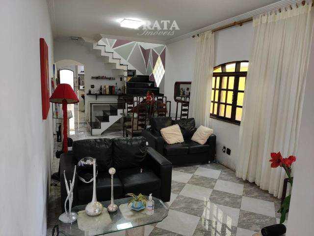 Casa · 170m² · 3 Quartos · 3 Vagas