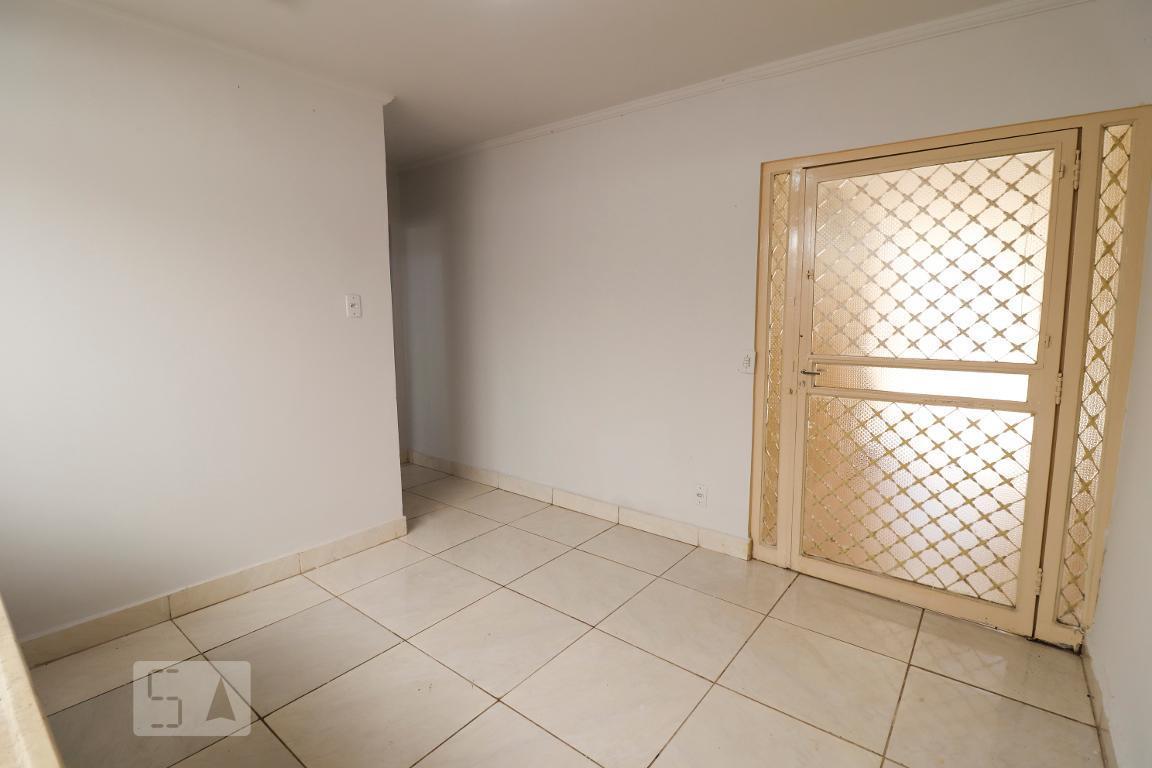 Casa · 23m² · 1 Quarto · 1 Vaga