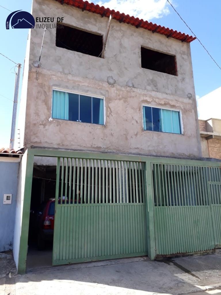 Casa · 6 Quartos · 2 Vagas
