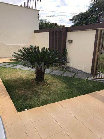 Casa · 160m² · 3 Quartos · 3 Vagas