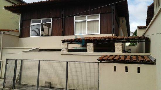 Casa · 272m² · 3 Quartos · 2 Vagas