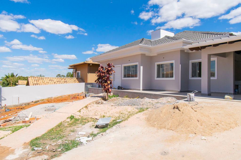 Casa · 500m² · 5 Quartos · 2 Vagas