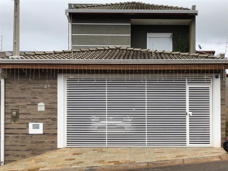 Casa · 192m² · 3 Quartos · 3 Vagas