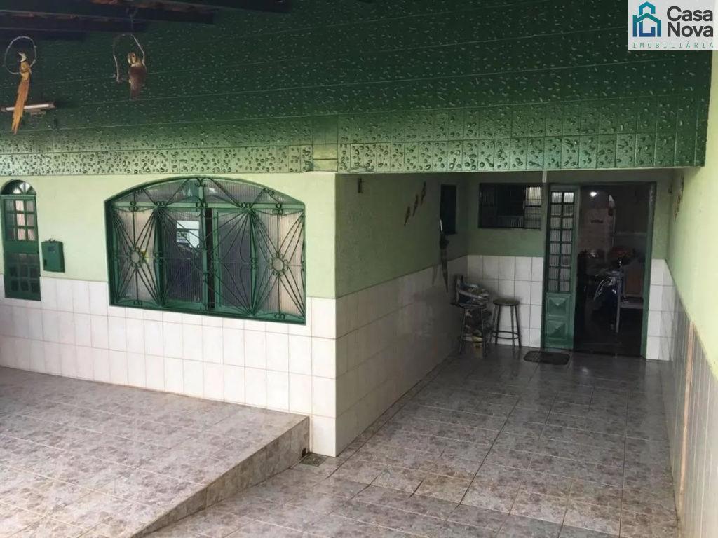 Casa · 170m² · 4 Quartos · 3 Vagas