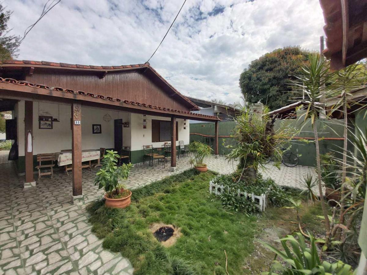 Casa · 372m² · 4 Quartos · 4 Vagas
