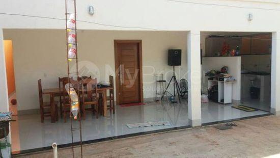 Casa · 292m² · 3 Quartos · 2 Vagas