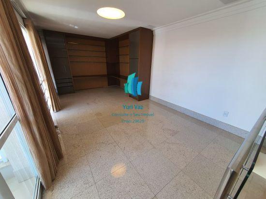 Apartamento · 243m² · 4 Quartos · 3 Vagas