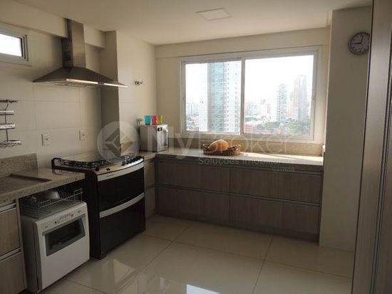 Apartamento · 275m² · 4 Quartos · 4 Vagas