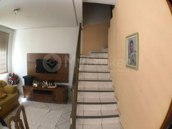 Casa · 138m² · 3 Quartos · 2 Vagas