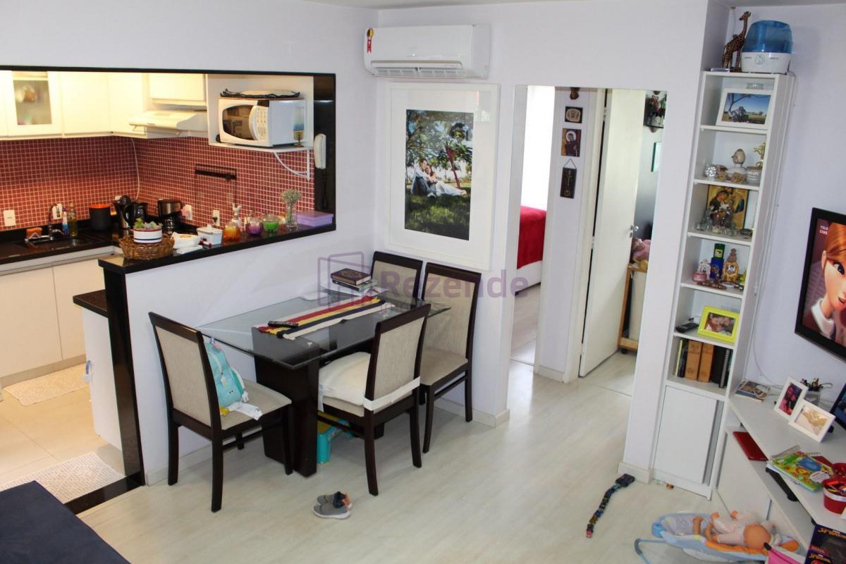 Lindíssimo Apartamento na QD 14, 2 Qts, Aceita Financiamento e FGTS