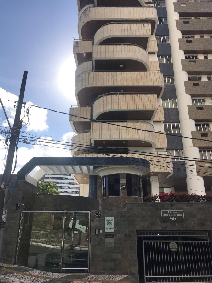 Cobertura à venda com 4 suítes e 4 garagens, Caminho das Árvores, Salvador, Bahia